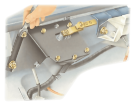 Fixing a windscreen wiper motor