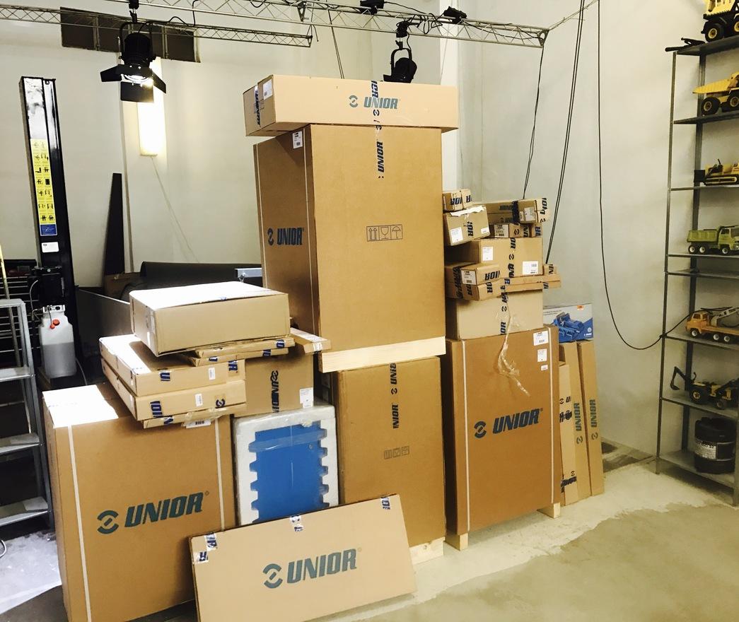 Unior boxes arrive w1400