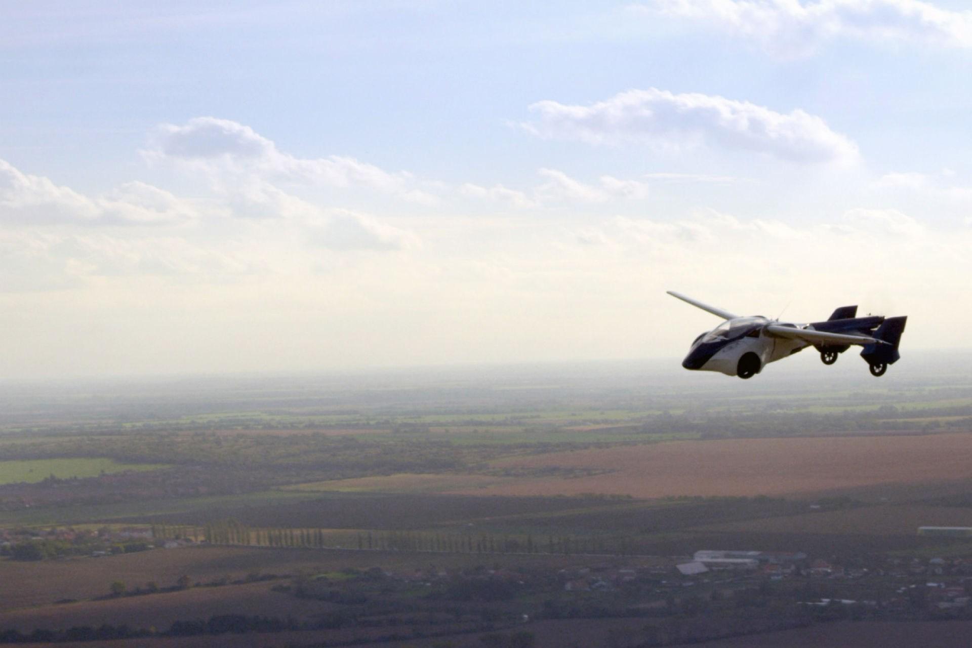 aeromobil-flying