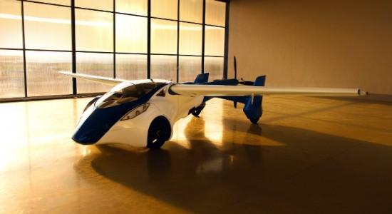 aeromobil-in-hanger