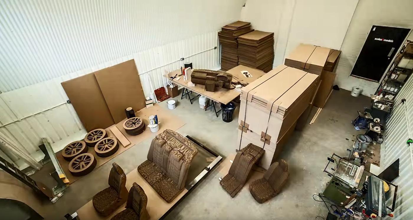 Cardboard car workshop w1400